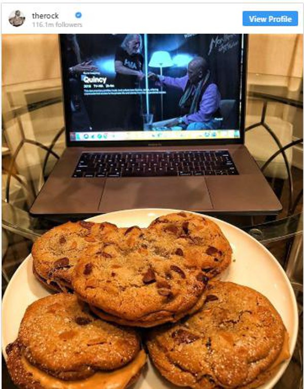 Dwayne Johnson eats 10 Cookies
