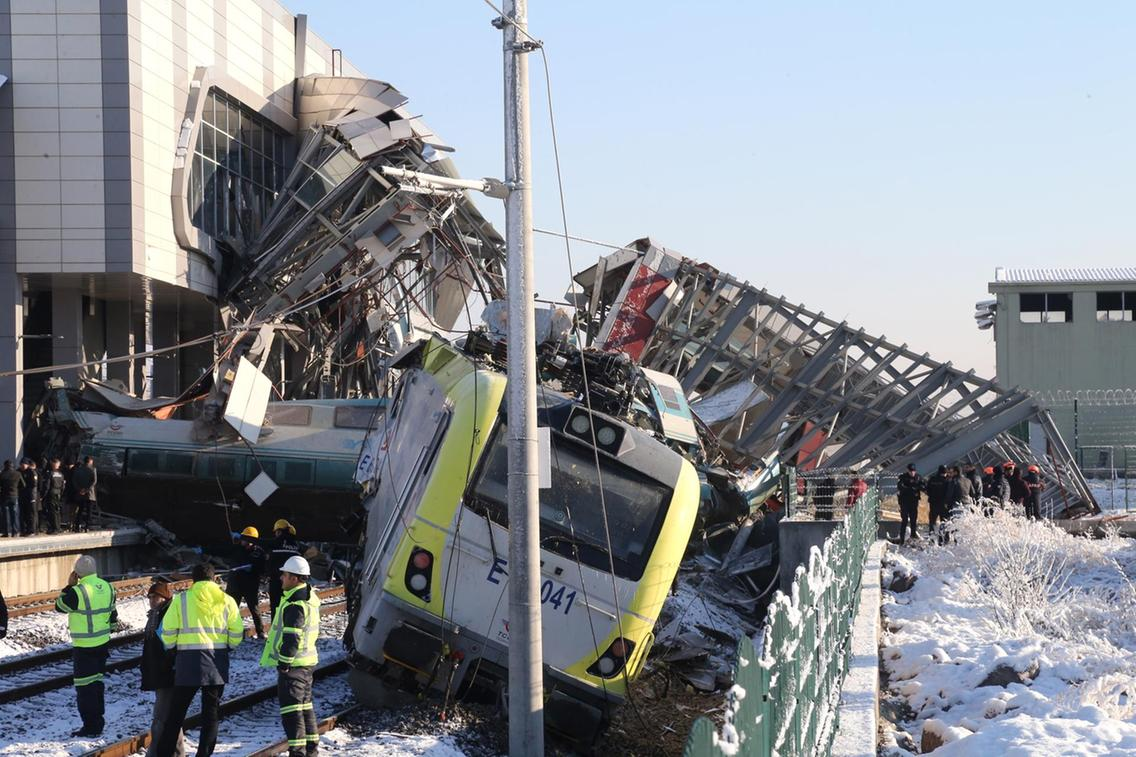 Freak Railway Accident in Turkey Kills 9 & Injures Many