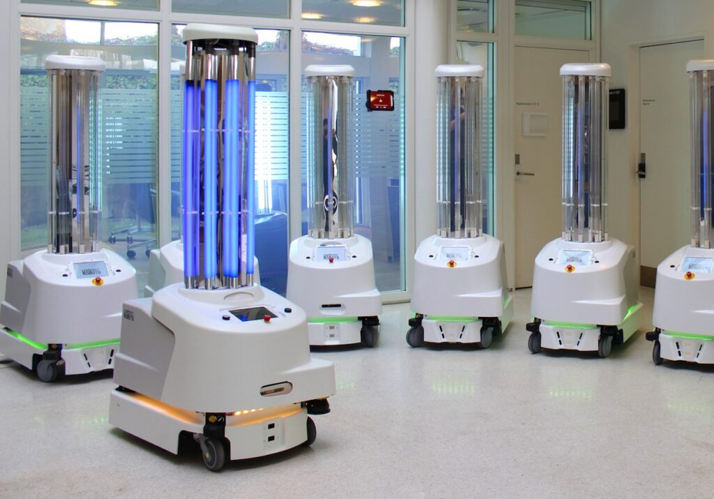 UV light robot that kills bacteria deployed in Wuhan