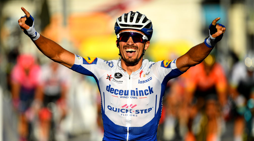 Remarkable Stage 2 FInish for Julian Alaphilippe